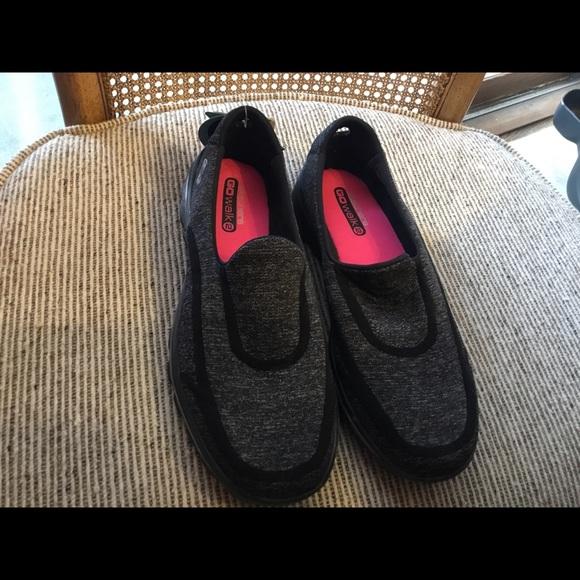Skechers Shoes   Brand New Go Walk Size